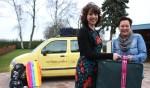 Joke van der Kolk (r.) draagt haar klantenkring met vertrouwen over aan Minke Smits. Foto: Liesbeth Spaansen