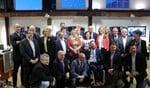 Burgemeester Otwin van Dijk met de nieuwe gemeenteraad. Foto: Walter Hobelman