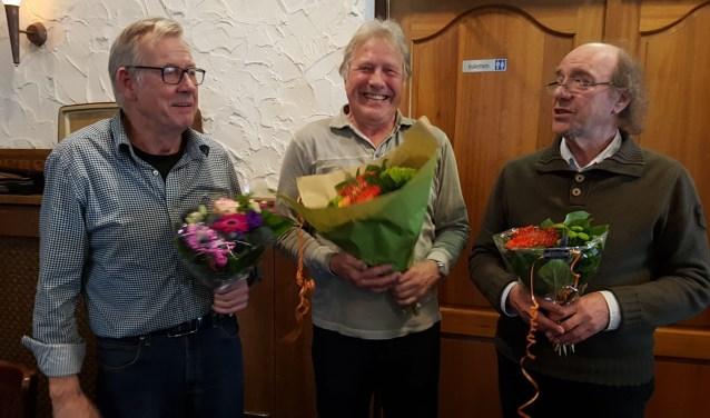 V.l.n.r. Johan van Campen, Gerard van Velzen (clubkampioen) en organisator Herbert Tangelder. Foto: Wilbert Bergervoet