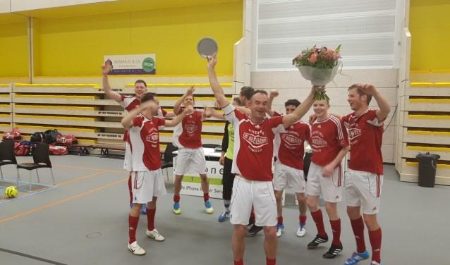 Het kampioensteam Reünie zaal 1. Foto: PR