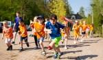 Kinderen van de Garve genieten van de sportieve Koningsspelen. Foto: Josine Breukink