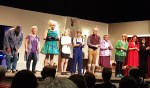 De cast na het tweede bedrijf van 'Wie doet ons wat?'. Foto: Mark Ebbers
