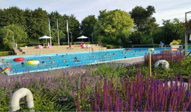 Nieuw zwemseizoen van het Burg. Kruijffbad in Steenderen kanvan start. Foto: Marjan Lijftogt