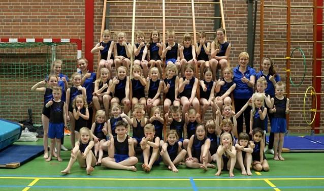 De jeugd van Vios Gym in het nieuwe tenue. Foto: PR