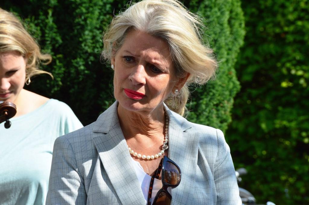 Organisatrice Jolanda Lodewijks van Stichting Stolpersteine Zutphen. Foto: Alize Hillebrink  © Achterhoek Nieuws b.v.