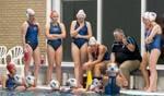 Arie Rijneveld in actie als coach van de waterpolodames van BZC. Foto: PR