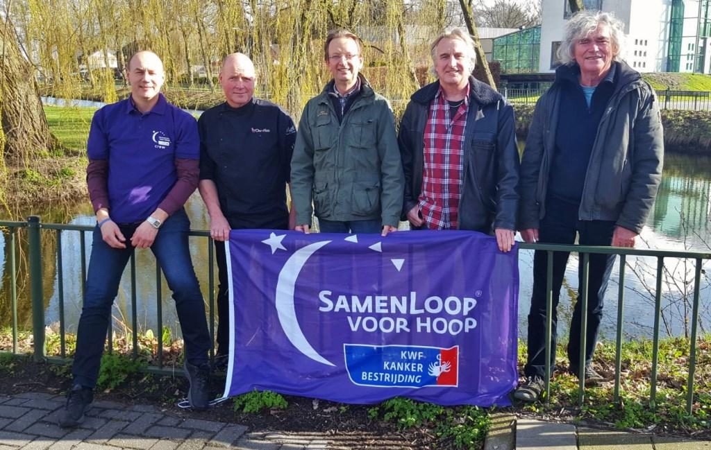 Dirk Hiddink, Mart Riethorst, Ferdi Jolij, Jan Ottink en Hans Keuper samen tegen kanker. Foto: PR