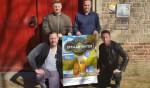Niek Lansink (linksboven), daarnaast Michiel Krabbenborg, Jeroen Koster (linksonder) en Lars Krabbenborg bij de Oude Calixtuskerk. Foto: Henri Walterbos