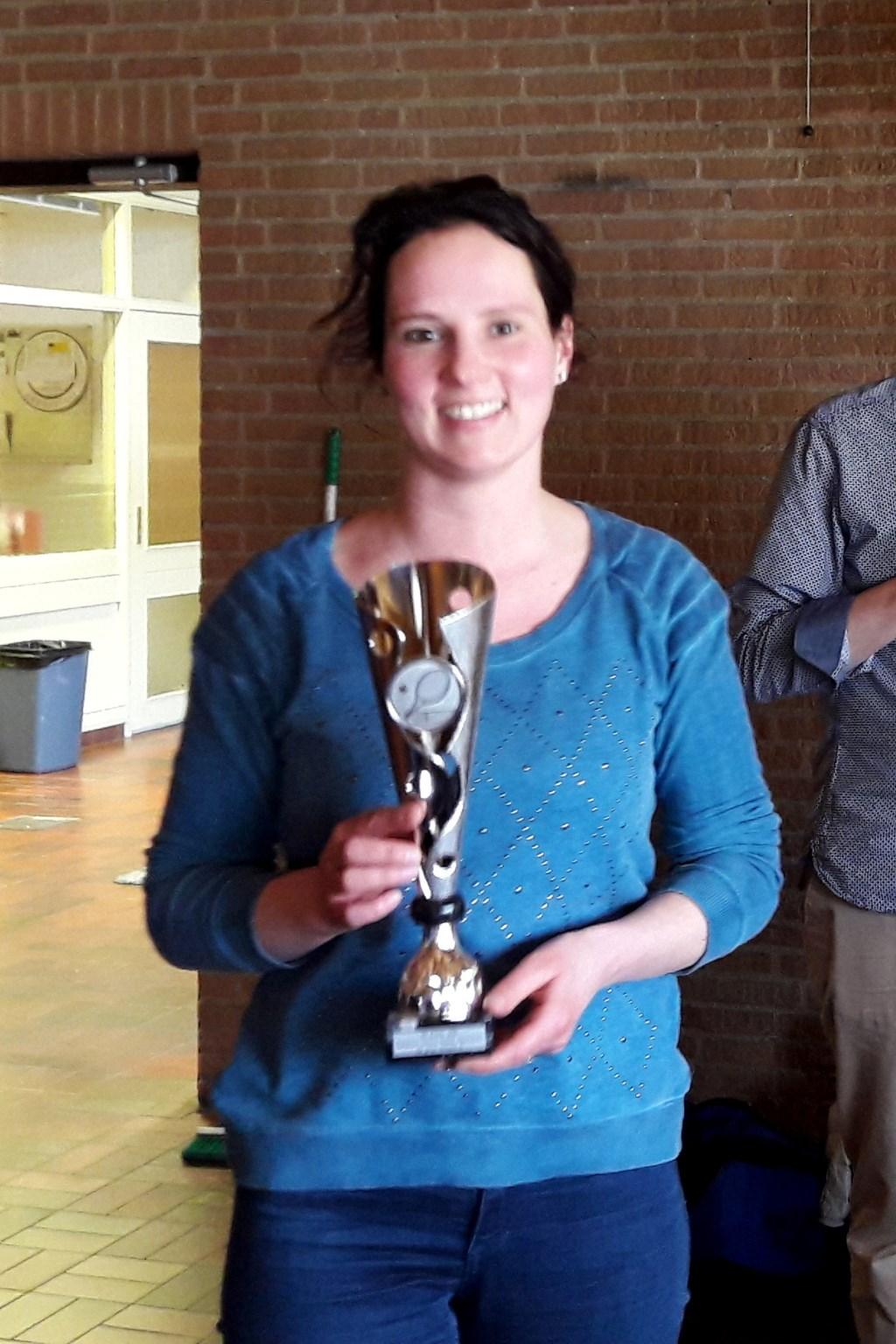 Lynn Bongers met de tweede prijs. Foto: Harry Breuker