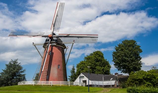 Gerritsens Molen in Silvolde, met ernaast gelegen Ons Pakhuus. Foto: Henk van Raaij