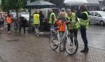 Na de fietscontrole mogen de leerlingen de weg op voor het praktisch verkeersexamen. Foto: Wim Klein Kranenbarg