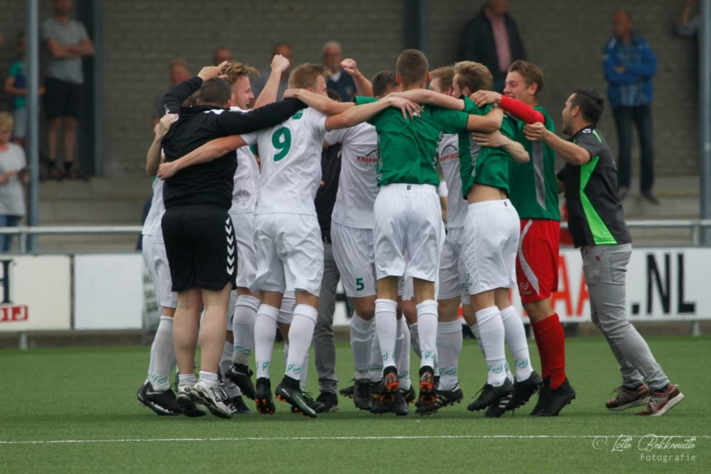 Enorme ontlading bij het team. Foto: Lotte Bekkenutte © Achterhoek Nieuws b.v.