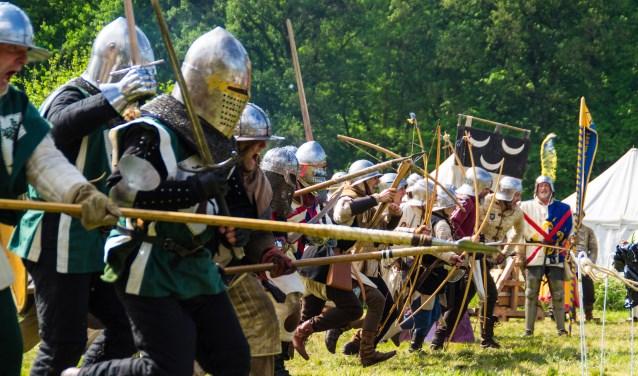 Beleef een veldslag uit de Middeleeuwen bij Kasteel De Kelder. Foto: Keshia Fotografie
