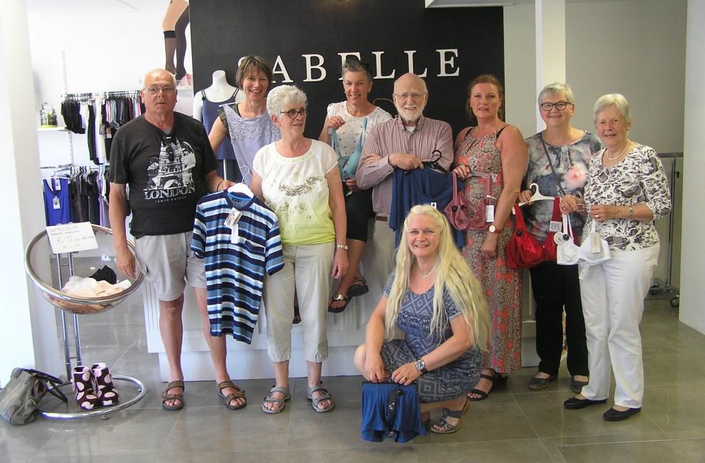 De prijswinnaars van de openingsactie bij Sabelle Ondermode. Foto: PR