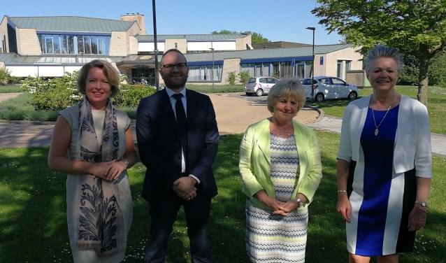 De vier nieuwe wethouders van Berkelland: (vlnr) Patricia Hoytink-Roubos, Gerjan Teselink, Anjo Bosman en Marijke van Haaren. Foto: Rob Weeber