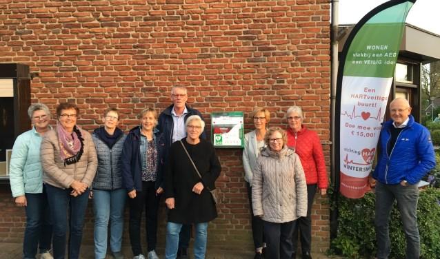 Ambassadeurs van Hart4Winterswijk zorgden ervoor dat ook de wijk Hazelder hartveiliger werd. Foto: PR