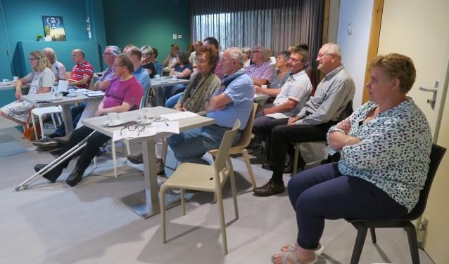 Er bestond een redelijke belangstelling voor het door de gemeente Oost Gelre georganiseerde vrijwilligerscafé. Foto: Theo Huijskes