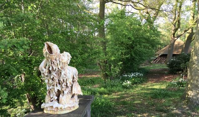 Beeldentuin 'de Hulenhof' met werk van 22 kunstenaars