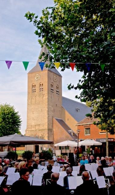 Concert op de markt in Zelhem. Foto: PR