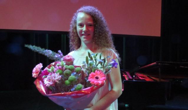 Laura Boekelaar schreef het winnende verhaal over hoe haar oma Annie vroeger uitging. Foto: Josée Gruwel