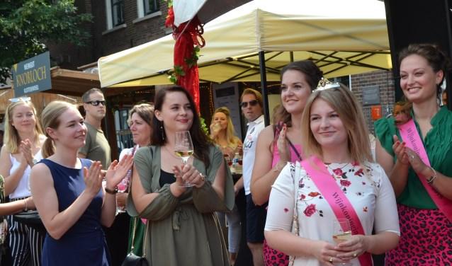 Wijnkoningin van 2019 is Mirthe, haar prinsessen zijn Danielle, Laura en Annet (niet op de foto). Foto: Karin Stronks