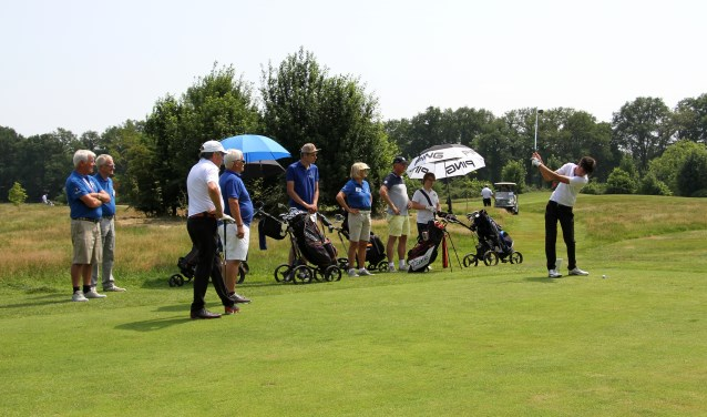 Sportieve strijd op golfbaan 't Zelle tijdens de Special Olympics. Foto: Liesbeth Spaansen