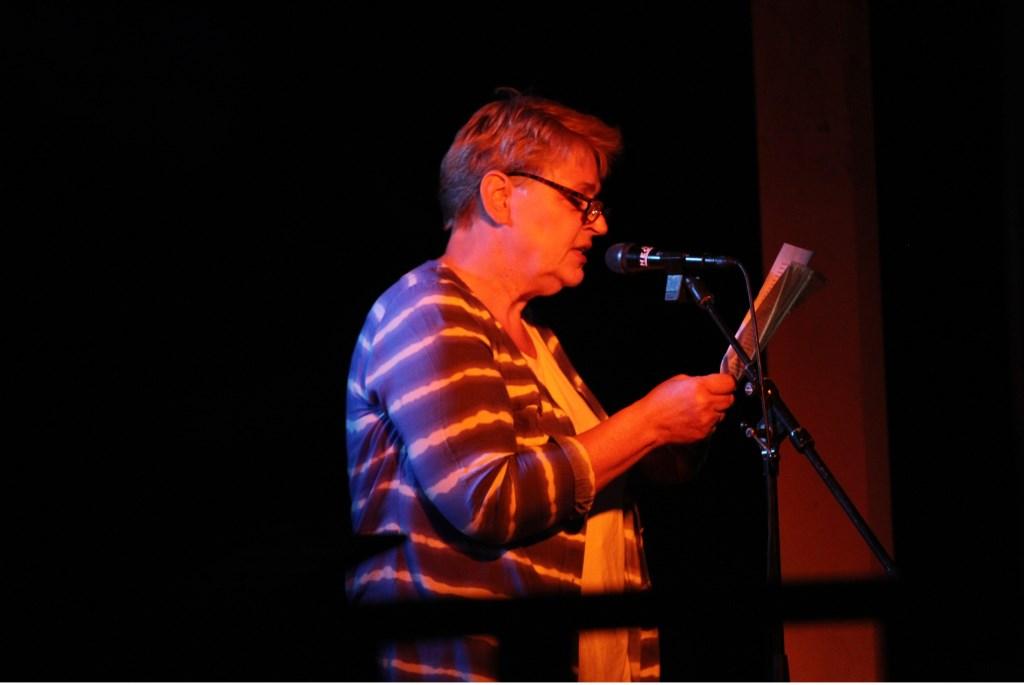 Erna Roeterdink vertelde haar verhaal van overleven. Foto: Liesbeth Spaansen  © Achterhoek Nieuws b.v.