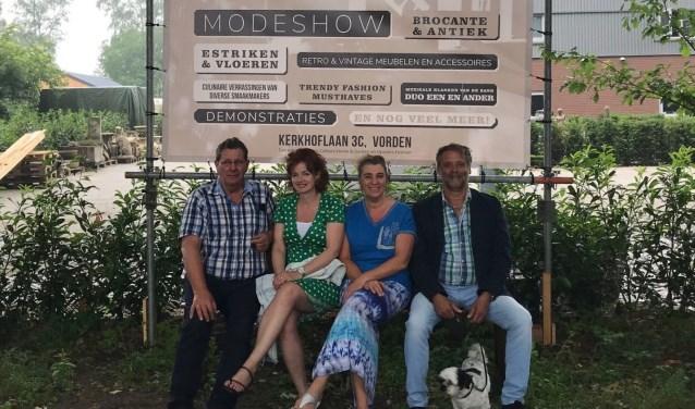 De organisatie v.l.n.r.: Laurens Wolbert en Gerdien Seesing-Langwerden van Caliture Home & Garden en Heidi Gosselink en Gert Kraayenzang van Upstairs Fashion. Foto: PR