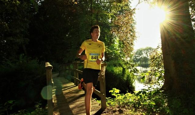 Michiel Wellink, die solo op de winst af gaat op de 2 km. Foto: Nathan Posthumus.