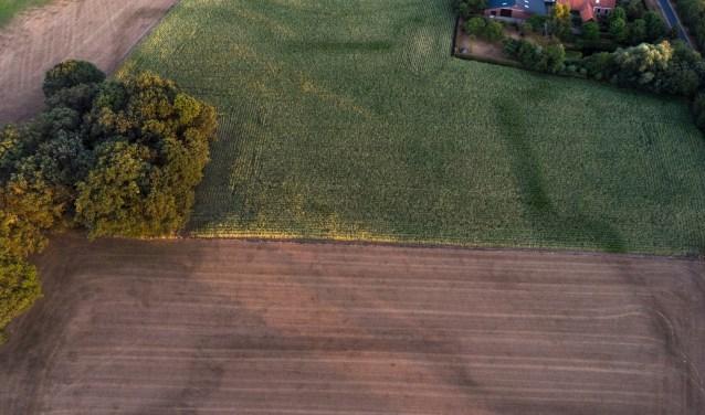 Vanuit de lucht zijn duidelijk de contouren van de Franse Schans zichtbaar. Foto: Erik Klein