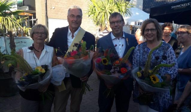 Leen Nederlof en Hans Veerbeek met hun dames. Foto: Frank Vinkenvleugel