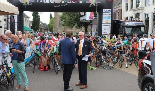 Vlak voor vertrek, vorig jaar in Gendringen. Foto: Sportfoto.nl
