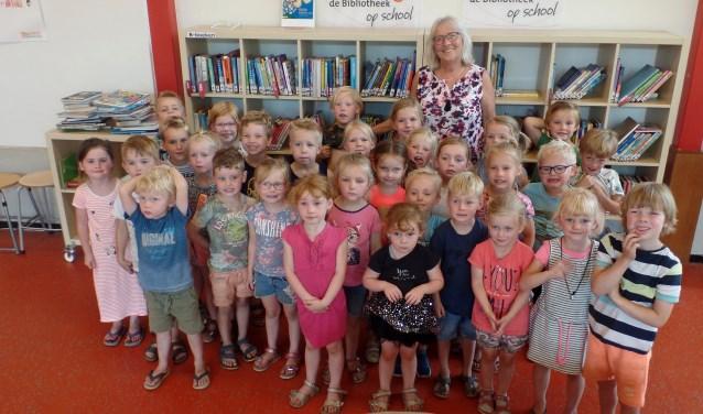 Juf Wilmi met haar klas De Muizen. Foto: Meike Wesselink