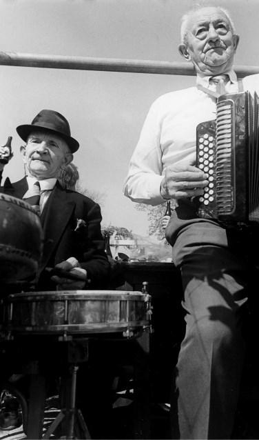 Herman en Karel maken muziek. Foto: PR