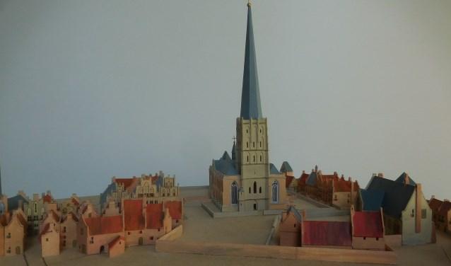 De maquette van de Walburgiskerk en directe omgeving is tot en met 31 oktober te zien in de Copernicustentoonstelling. Foto: PR