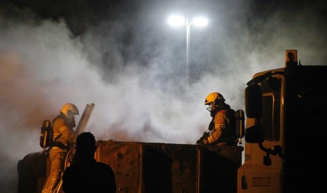 De brandweer had het vuur snel onder controle. Foto: GinoPress B.V.