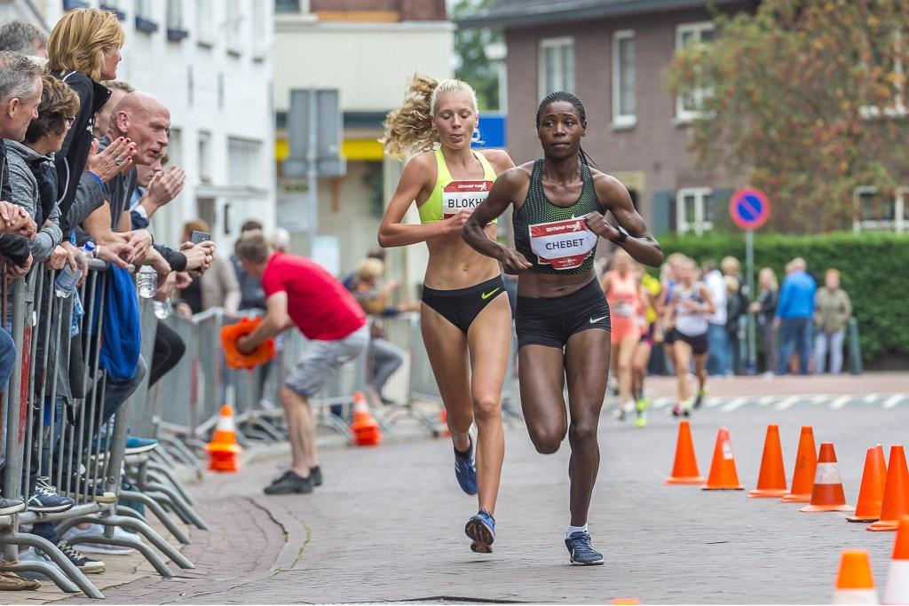 De nummers 1 en 2 (Chebet en Blokhuis) hier nog bij elkaar. Foto: Henk van Raaij Foto: Henk van Raaij © Achterhoek Nieuws b.v.