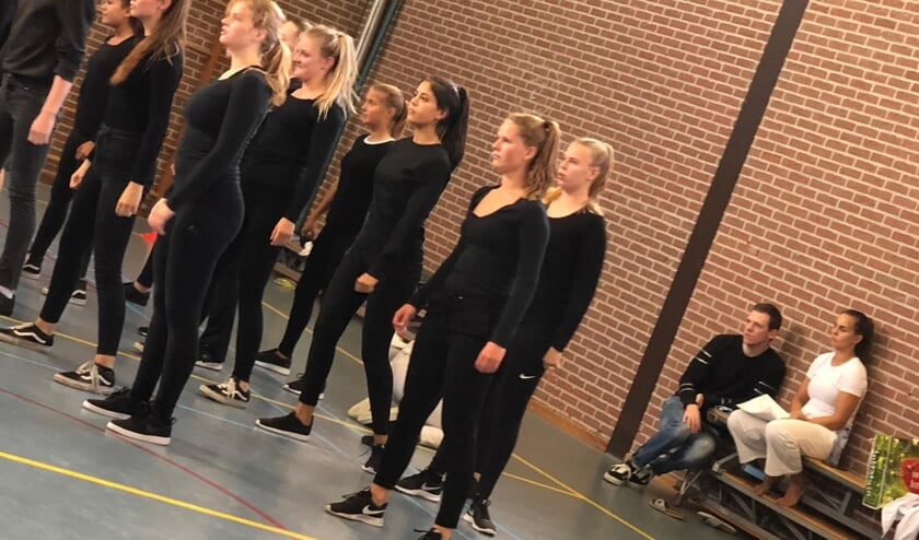 Een repetitie voor Evolutio, met rechts Tim Aafjes en Lidy Hungerink. Foto: PR
