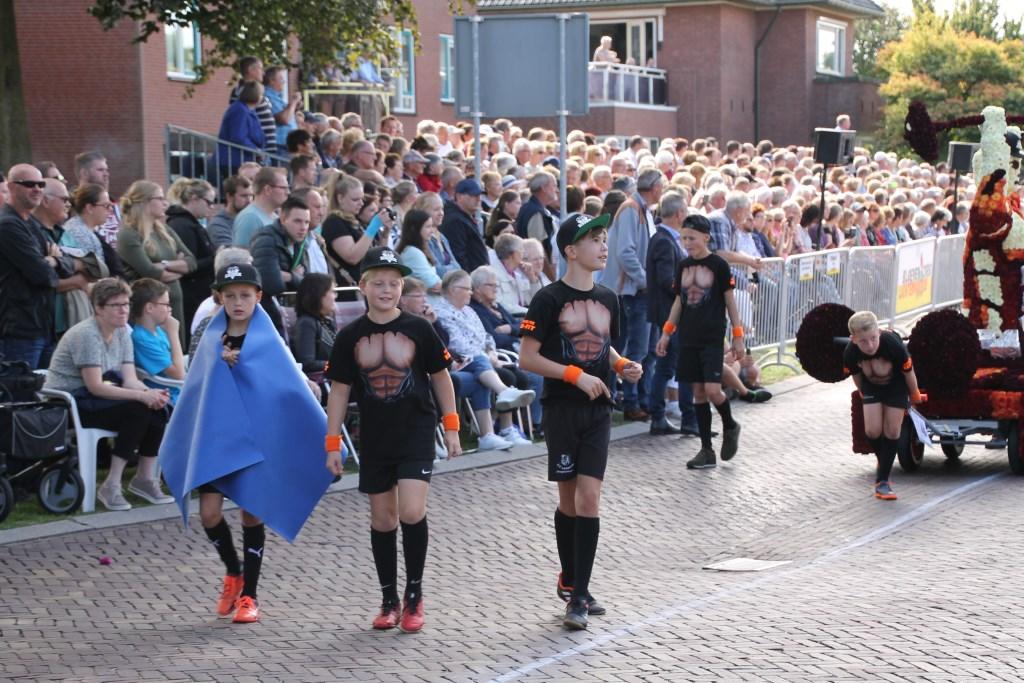 De stoere mannen van Sixpack. Foto: Annekée Cuppers  © Achterhoek Nieuws b.v.
