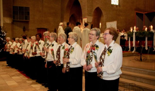 Het dameskoor van de katholieke Jacobuskerk bestaat 50 jaar. Foto: PR