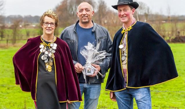 Kroezenhoeker van het jaar Robert Steentjes en het Koningspaar. Foto: Henk van Raaij
