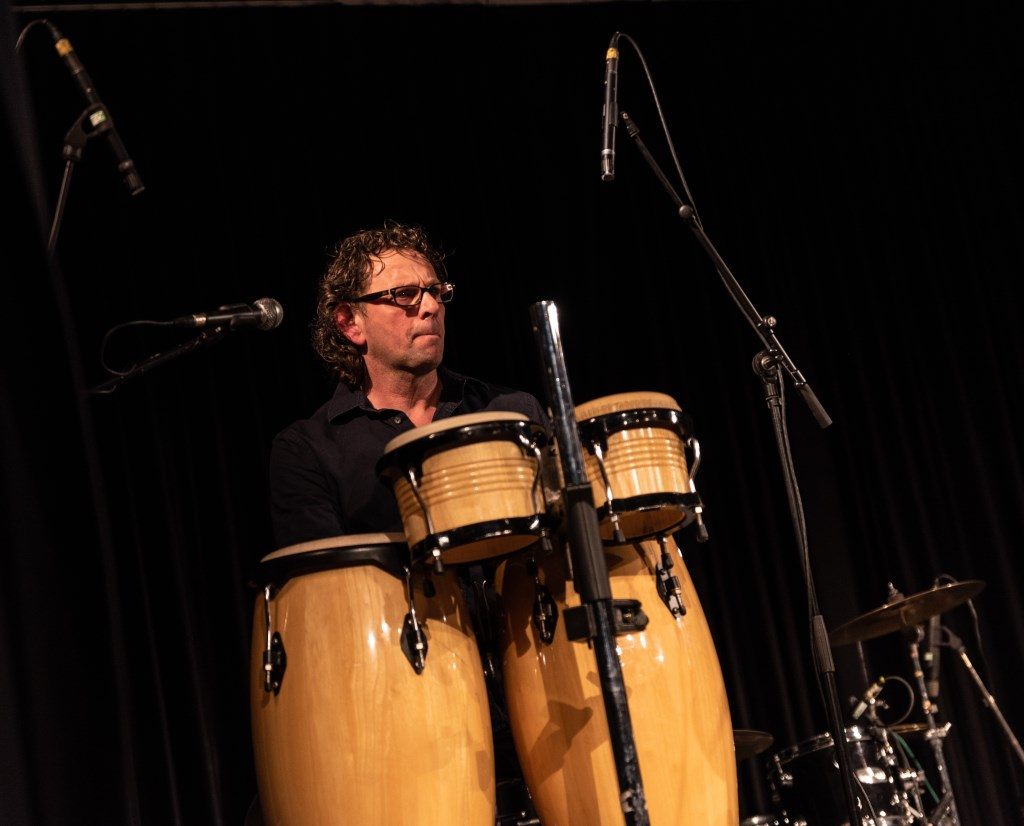 André van Gaalen van Hippies Akoestisch. Foto: Rick Mellink  © Achterhoek Nieuws b.v.