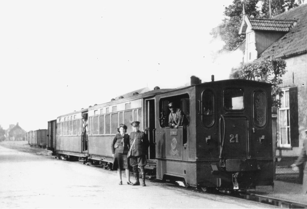 Locomotief no. 21 in Baak. Foto in bezit van Reyer van de Pol.  © Achterhoek Nieuws b.v.