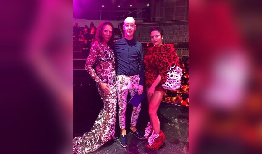 Tim Dekkers te midden van zijn modellen. Foto: eigen foto