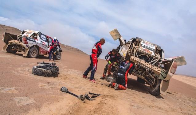 Zware tegenslag voor de equipe van Bernhard ten Brinke; na 2,5 sleutelen lijken de kansen op een topklassering  verkeken. Foto: PR