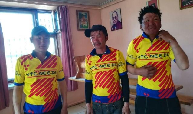 De oude kleding van WTC Neede krijgt in Mongolië een tweede leven. Foto: PR