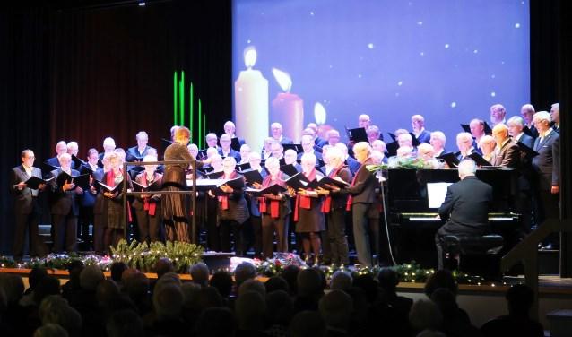 Inter Nos Groenlo tijdens het Kerstconcert 2018. Tekst en foto: Theo Huijskes