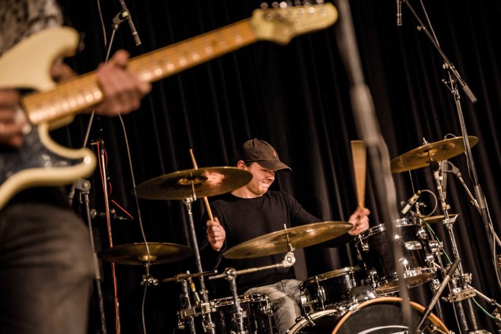 Drummer Dion te Kempel. Foto: Rick Mellink  © Achterhoek Nieuws b.v.