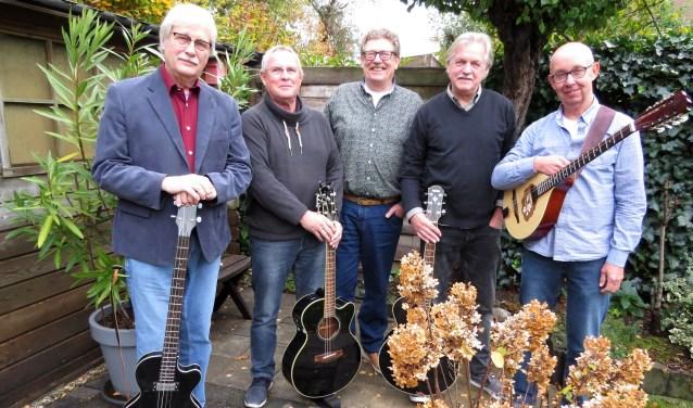 De mannen van GoedVolk: Frans Beernink, Wim Jansen, Frans van Gorkum, Stef Geurtzen en Henk Westerveld. Foto: Josée Gruwel