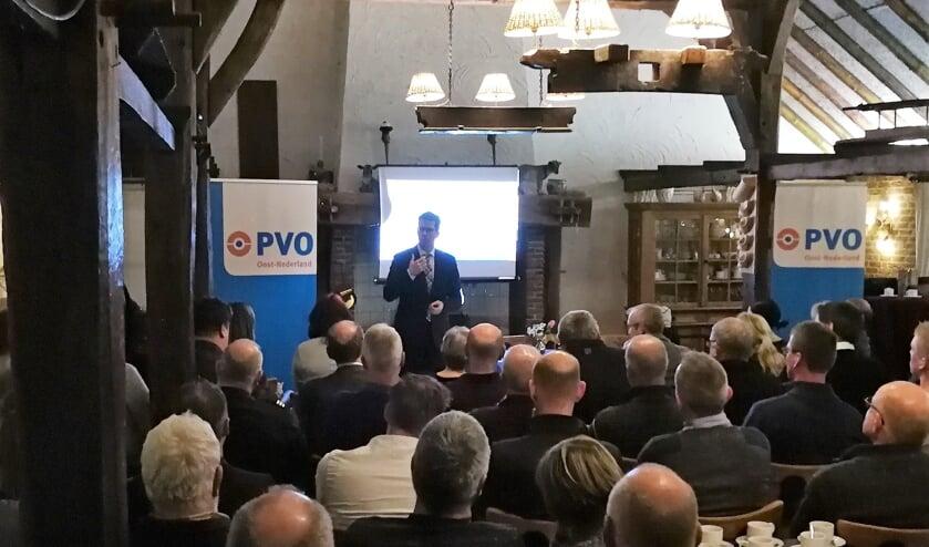 Burgemeester Joost van Oostrum tijdens de bijeenkomst. Foto: Rob Weeber